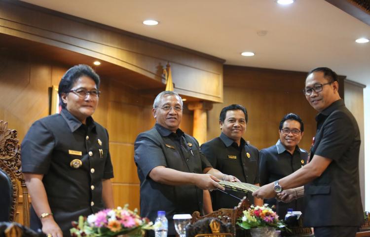 Rapat Paripurna Penyampaian Jawaban Pemerintah atas PU Fraksi DPRD Badung